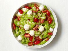 Winter Caprese Salad http://www.foodnetwork.com/recipes/food-network-kitchens/winter-caprese-salad-recipe/index.html?ic1=obinsite