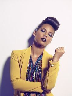 Alicia Keys - Click image to find more Women's Fashion Pinterest pins