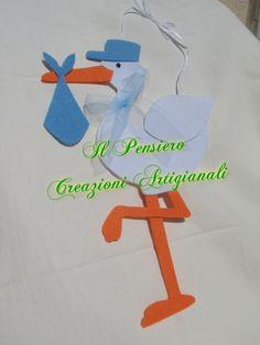 Coccarda per la nascita di un bimbo realizzata a mano in feltro a forma di cicogna https://www.facebook.com/IL-Pensiero-Creazioni-Artigianali-308024965911130/?ref=bookmarks