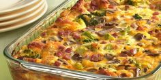Tasty Recipe Pick: Ham and Cheese Omelet Bake. Here's a brunch bake that has it all, from ham and cheese to veggies, with a biscuit crust. Breakfast Dishes, Breakfast Time, Breakfast Recipes, Breakfast Casserole, Egg Casserole, Casserole Recipes, Breakfast Crowd, Casserole Ideas, School Breakfast