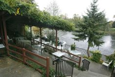 Respite at the River's Edge  Alfresco Dining on the Rogue River
