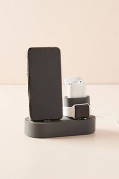 Crafted from durable silicone in a compact design, this charging station for your iPhone, AirPods, and Apple Watch is an ideal addition to a desk or workspace. Electronics Projects, Electronics Gadgets, High Tech Gadgets, Cool Gadgets, Amazing Gadgets, Pc Gamer, Apple Watch, Apple Pin, Accessoires Iphone