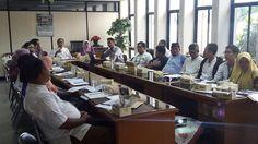 Petugas UPPD dan Sudin diwilayah Kota Adm. Jakarta Timur sedang diarahkan tatacara penggunaan e-POS kepada