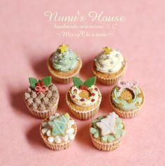 teeny cupcakes