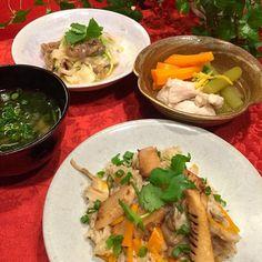 onimamaさんのバター醤油炊き込みご飯〜〜タケノコversion 砂ずり・新タマ・三つ葉の酢の物 蕗・人参・鶏肉の煮物 ワカメと豆腐のお味噌汁  onimamaさんの、バター醤油で炒めて炊く要領をタケノコで。 ほんのりとバターの風味、焦げ目がついたタケノコ、とっても美味しかったです  今夜はヘルシーメニューで  炊き込みご飯好きないのちゃん、食べ友お願いしますね - 196件のもぐもぐ - ONI*MAMA*さんの料理 ベビーホタテのバター醤油炊き込み御飯 by Mina0602