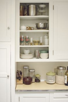 5 Quick & Easy Ways to Personalize an Apartment Kitchen take cabinet doors off