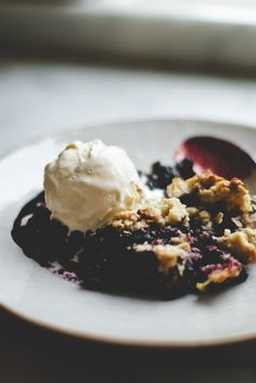 single serving blueberry crumble - bet you could use quinoa flakes instead of oats.