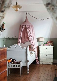 Habitación infantil vintage - romántico