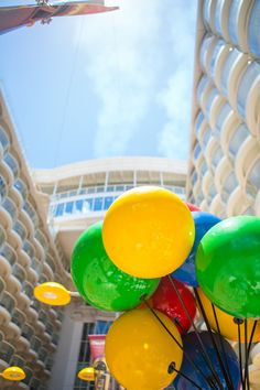Oasis of the Seas | Clear skies and vibrant decor make for an optimal Mother's Day setting.
