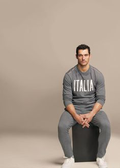 Dolce & Gabbana Gym S/S 12 Catalog (Dolce & Gabbana) Model: David Gandy personal trainer anyone? David Gandy, Dolce & Gabbana, Gym Track Pants, Famous Male Models, Men's Fashion, Fashion Styles, High Fashion, Outfit Trends, Athletic Fashion