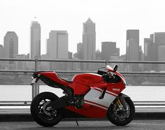 motorcyclesunited:  Ducati Desmosedici D16RR in Seattle by Chris Ramos on Flickr.