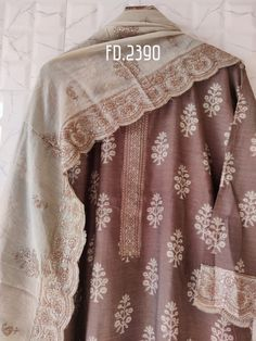 Stylish Dress Designs, Stylish Dresses, Healthiest Seafood, Desi Clothes, Casual Suit, Pakistani Outfits, Woman Clothing, Daily Wear, Indian Fashion