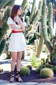 Fashion Blogger ASOS white shirt dress cactus park Barcelona