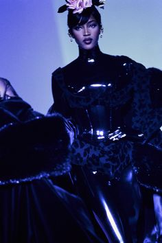 Mugler Fall 1995 Couture Fashion Show - Naomi Campbell (Marilyn)