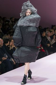 Comme Des Garcons Autumn/Winter 2017 Ready to Wear Collection | British Vogue