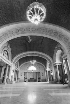 Michigan Central Station, Detroit - The waiting room after closure, with all of the benches removed.  Still grand.