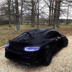 """6,040 Synes godt om, 41 kommentarer – BMW [M] BENZ [AMG] AUDI [RS] (@m.amg.rs) på Instagram: """"• C63's AMG Rate 1-10 • ➡️ Follow @skyze_life @skyze_life • ➡️ AMG SHIRTS -> LINK IN @benz.c1ub…"""""""