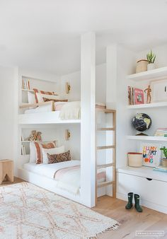 White and bright neutral girls bedroom design with built in bunk beds, built in shelving and tones of blush - Amber Interiors Modern Bunk Beds, Custom Bunk Beds, White Bunk Beds, Double Bunk Beds, Twin Beds, Twin Twin, Built In Bunks, Built Ins, Built In Beds For Kids