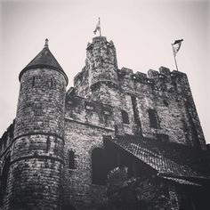 https://flic.kr/p/KpCWzD   #todaypic  Gravensteen  (#Ghent,#2016)  #Gent,#oostvlaanderen,#vlaanderen,#België,#Europa,#monochrome,#BlackandWhite,#Grayscale,#Vignette,#willowfilter  (BY: #KJVW 2016)  #Beentheredonethat