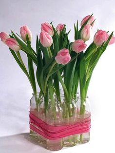 DIY Spring Rose Tulips Centerpiece | Shelterness...tutorial included