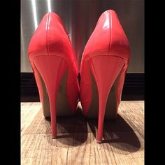 """Charlotte Russe coral pumps Scuffs on right heel. No box. 5.5"""" tall. NO TRADES  ALL REASONABLE OFFERS ARE ACCEPTED  NO LOWBALLERS!!! ✌️✌ LET'S BUNDLE!!!!  Charlotte Russe Shoes Heels"""