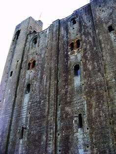 HEDINGHAM CASTLE ~ MATILDA, WIFE OF KING STEPHEN, DIED AT HEDINGHAM CASTLE ON 3 MAY 1152 / HOME TO THE FAMOUS DE VERE FAMILY OF OXFORD. BUILT BY AUBREY DE VERE I IN THE 12TH CENTURY. IN 1133 AUBREY DE VERE II WAS CREATED MASTER CHAMBERLAND BY HENRY I.