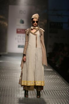 Indian Designer Anju Modi at Wills India Fashion Week as part of Autumn Winter 2013.  Follow Strand of Silk to get the best of Beautiful Indian Fashion from leading Fashion Designers, including Contemporary Indian Fashion and Indian Bridal clothes like Saris, Anarkalis, Salwar Suits, Lenghas, Indian Jewellery.