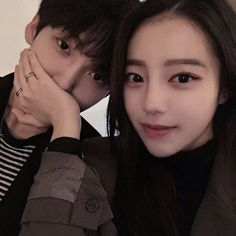 Kpop Couples, Cute Couples, Cute Korean, Korean Girl, Korean Best Friends, Korean Couple, Ulzzang Couple, Boyfriend Goals, Fashion Couple