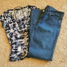 EUC lei jeans Made with cotton, polyester and spandex. Medium wash. In excellent condition! lei Jeans