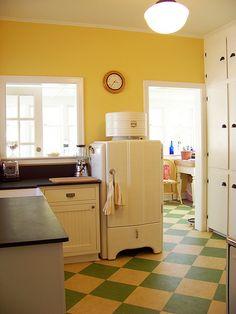 Kitchen with linoleum tile floor and 1936 GE Monitor Top refrigerator. Kitchen Tiles, Kitchen Flooring, New Kitchen, Kitchen Decor, Kitchen Design, Kitchen Units, Kitchen Drawers, Kitchen Layout, Bathroom Flooring