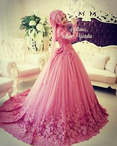 Amazing 2017 Muslim Wedding Dresses Long Sleeve High Neck Lace Bridal Gowns with Hijab Turkish Wedding Dress, Muslim Wedding Gown, Muslimah Wedding Dress, Muslim Wedding Dresses, Muslim Brides, Colored Wedding Dresses, Bridal Hijab, Bridal Outfits, Bridal Dresses