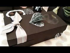 """Vidéo-Tuto """"Boite St Valentin - Partie 2 : Boîte rectangulaire"""" par Coul'Heure Papier - YouTube Stampin Up, Gift Wrapping, Boxes, 3d, Gifts, Gift Bags, Scrapbooking, Treats, Videos"""