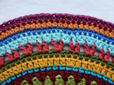 free pattern right click page for translation Karin on the hook: Stool Crochet Motif, Free Pattern, Shapes, Blanket, Crochet Ideas, Jewelry, Stool, Mandalas, Jewlery