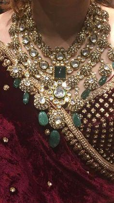 Meenakari & Kundan Jewellery Designs That'll Look Great At Your Wedding Kundan Jewellery Set, Indian Jewelry Sets, Indian Wedding Jewelry, Bridal Jewelry, Indian Bridal, India Jewelry, Silver Jewellery, Kundan Set, Silver Rings