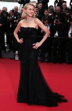 Red Carpet - The Annual Film Festival Cannes 2015 - Naomi Watts in Ralph Lauren Gown at Mad Max Fury Road Premiere on May 2015 Naomi Watts, Celebrity Evening Gowns, Celebrity Dresses, Celebrity Style, Festival Dress, Festival Fashion, Cannes Film Festival 2015, Cannes 2015, Palais Des Festivals