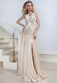 Wedding dress by Failily Japan