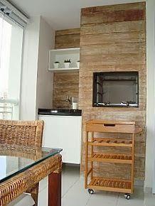 churrasqueira revestida em madeira de demolição