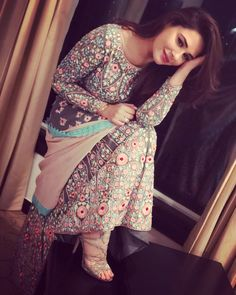 Pakistani Dresses, Indian Dresses, Indian Outfits, Beautiful Suit, Beautiful Dresses, Beautiful Women, Indian Attire, Indian Wear, Ethnic Fashion