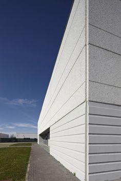 Precast reinforced concrete external wall panel Pannelli di tamponamento prefabbricati - Magnetti Building