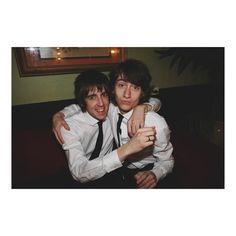 wakemeupat505/2016/09/05 05:41:06/good night hugs, giggles, and duck faces 😄😚 their cuteness is beyond limits 😍 #alexturner #mileskane #milex #fetus #bros #friendship #goals #tlsp #thelastshadowpuppets #suits #ties #matching #cuties #giggles #duckface #sweet #memories #hug #alternative #rock #indie #music #singers #l4l
