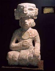Esta escultura tolteca de un sacerdote dedicado al culto del Dios Chac Mool,se encuentra en el Museo Regional de Antropologia de Merida  Yucatan