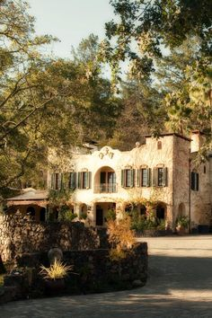 At the northern end of Sonoma Valley, the intimate Kenwood Inn is all about romance