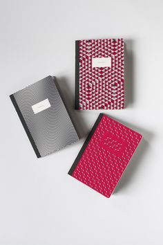 MK2 x PAPIER TIGRE - This special pocket notebooks edition made in collaboration with the French cinema network MK2. It will catch you like a great Chabrol! Write, draw and flourish at the office and at home with this awesome notebooks made in France on recycled papers. By Papier Tigre