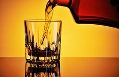 Ce este #alcoolismul Alcoolici au o boală cronică. Ei sunt dependenți fizic de alcool. Ei simt nevoia de a bea aproape în același fel în care majoritatea oamenilor simt nevoia de a mânca. Iar odată ce alcoolici încep să bea, ei sunt incapabili să se oprească