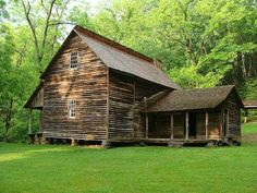 Tipton Place - Cades Cove This is my family home! Old Cabins, Cabins And Cottages, Cabins In The Woods, Rustic Cabins, Tiny House Cabin, Log Cabin Homes, Old Farm Houses, Wooden Houses, Cades Cove