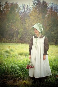 Girls Pioneer Dress with Bonnet and by TaylorsScarletThread, $82.00