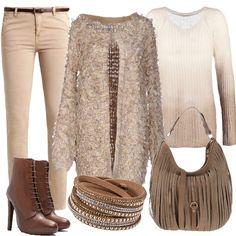 Outfit+incentrato+sui+toni+pastello+con+pantalone+slim+in+cotone+elasticizzato,+maglione+beige+con+scollo+a+v+e+cardigan+beige+con+scollo+tondo.+Lo+stivaletto+ha+tacco+alto+a+spillo+e+la+borsa,+a+hobo,+è+in+pelle+ad+effetto+scamosciato.+Completa+il+look+il+bracciale+marrone+con+allacciatura+a+bottone.+L'outfit,+in+stile+bohemian,+si+presta+bene+per+essere+utilizzato+sia+per+il+tempo+libero+che+per+serate+casual.