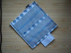 Jatan tapaan : Näin ompelen patalapun Picnic Blanket, Outdoor Blanket, Pot Holders, Sewing, Diy, Dressmaking, Hot Pads, Couture, Bricolage