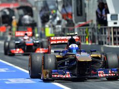 Daniel Ricciardo exits the pits for Qualifying at the Spanish GP