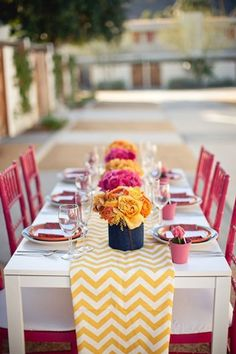 Love this yellow chevron table runner with the pink chairs - this is for a wedding, but would also be fun ladies luncheon or sweet birthday party! Cant wait for summer! Mesa Chevron, Table Chevron, Chevron Table Runners, Yellow Chevron, Pink Yellow, Hot Pink, Yellow Flowers, Chevron Tablecloth, Coral Navy